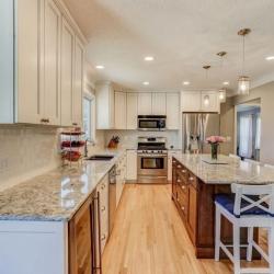Titus Contracing   Hardwood Floor Kitchen Remodel