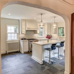 Brick-patterned Slate Kitchen Floor