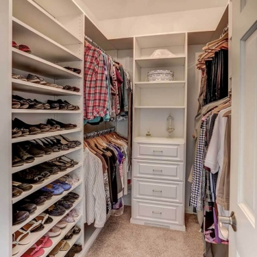 closet-remodel-with-built-ins