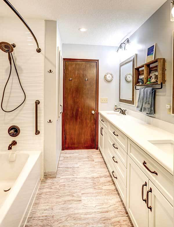 Upgrading the bathroom in a Twin Cities home